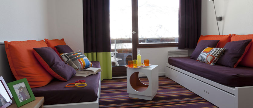 france_avoriaz_le-saskia-apartments_living-area3.jpg
